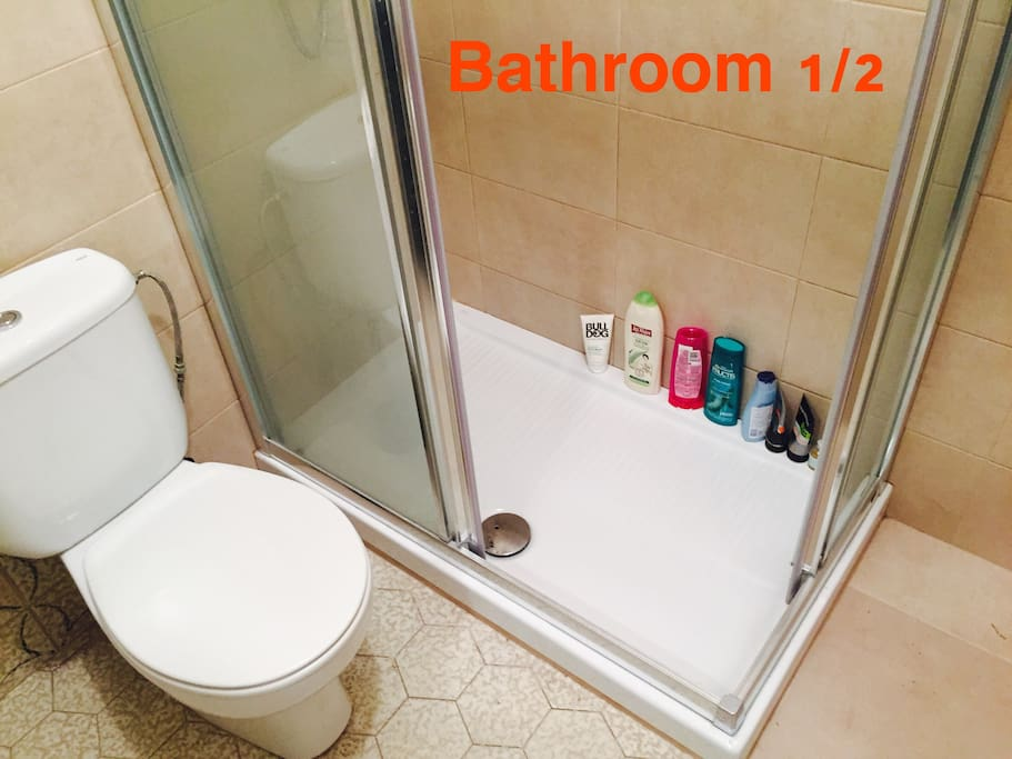 Bathroom 1/2