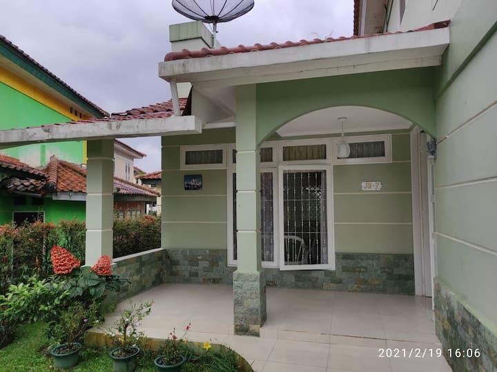 Villa Seruni 4 BR