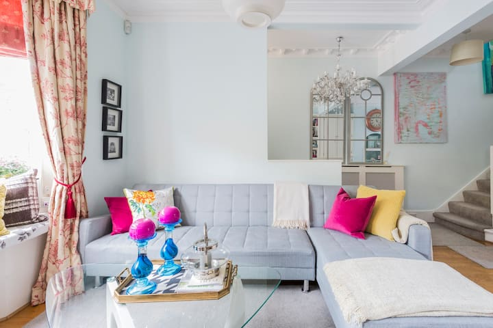 Cosy and Stylish  House near Fulham Broadway