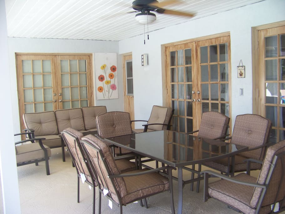 Large Lanai with ceiling fan