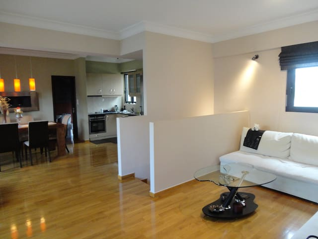 Maisonette 120 square, 19km from Airport