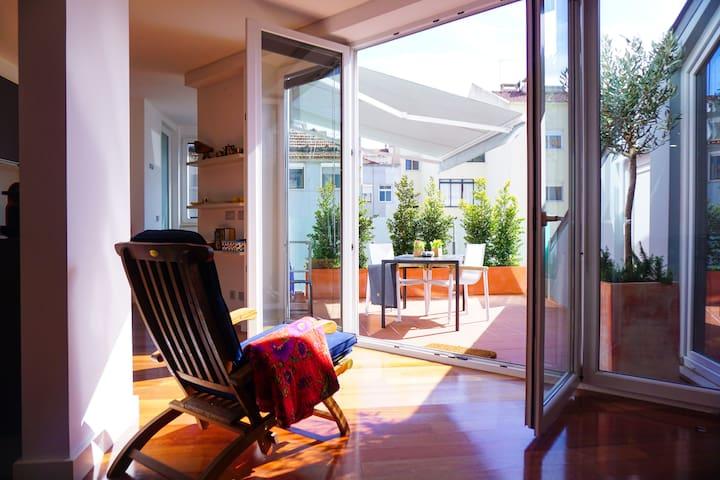 Gulbenkian Terrace - Bright Luxury Apartment!