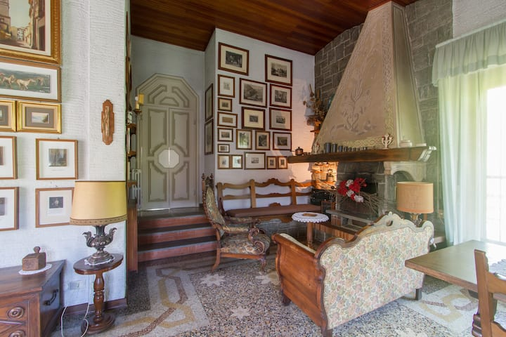 Villa with garden,country style,30 min Milan,wifi.