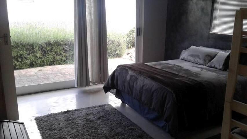 Bedroom 2 - Queen Bed and Bunk Bed