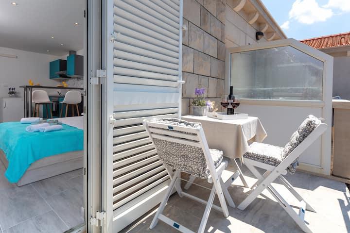 Apartment Iskra  A2 (2 guests) - Povlja,Brač