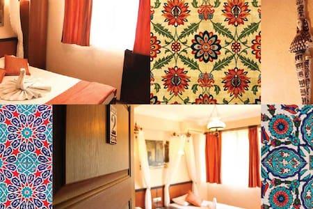 Double Room in the town center - Selçuk - ที่พักพร้อมอาหารเช้า
