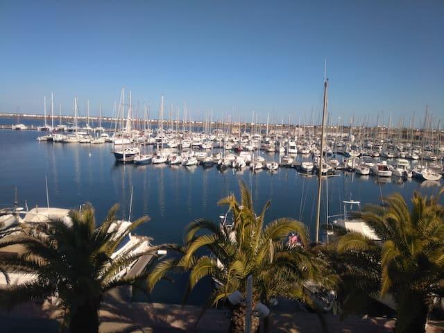 Studio Gruissan, calme, très belle vue sur le port