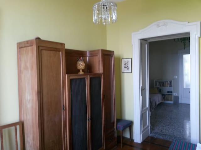 cameretta N.3/ bedroom N.3