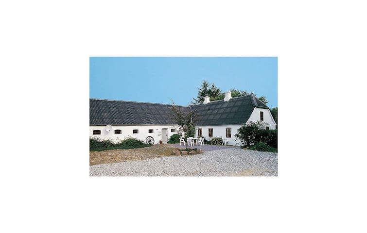 Holiday cottage with 6 bedrooms on 350 m² in Skjern