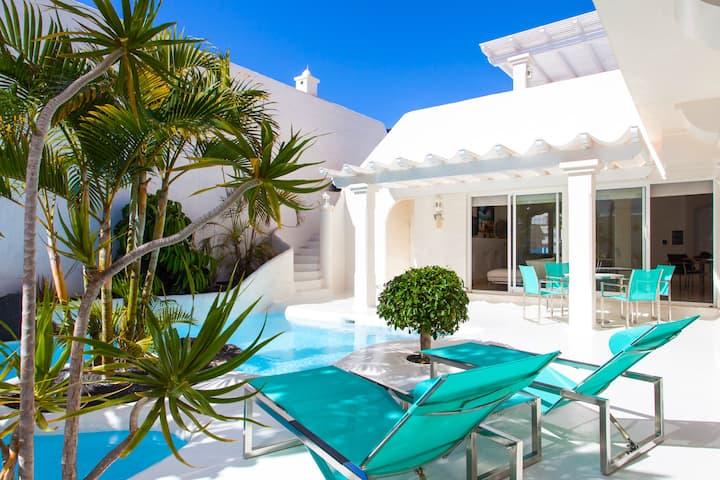 """Villa de lujo  """"Maruca"""" piscina y jacuzzi privados"""