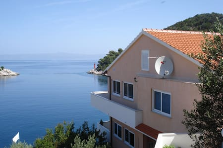 Villa Aragosta Seaview Apartment 1 - Lastovo