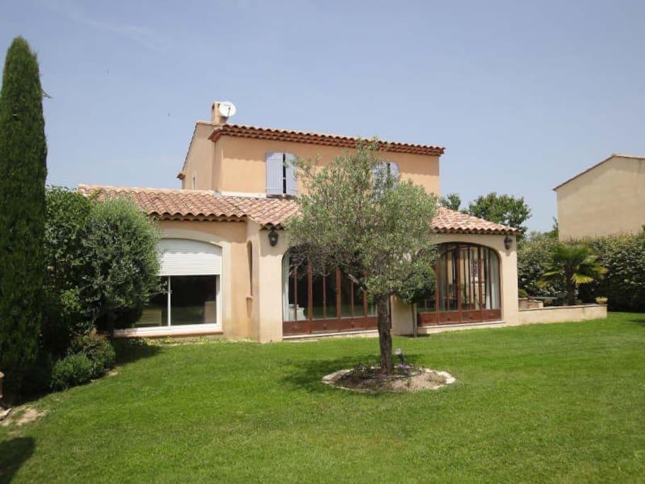 Maison de vacances proven ale maisons louer aix en for Aix en provence location maison