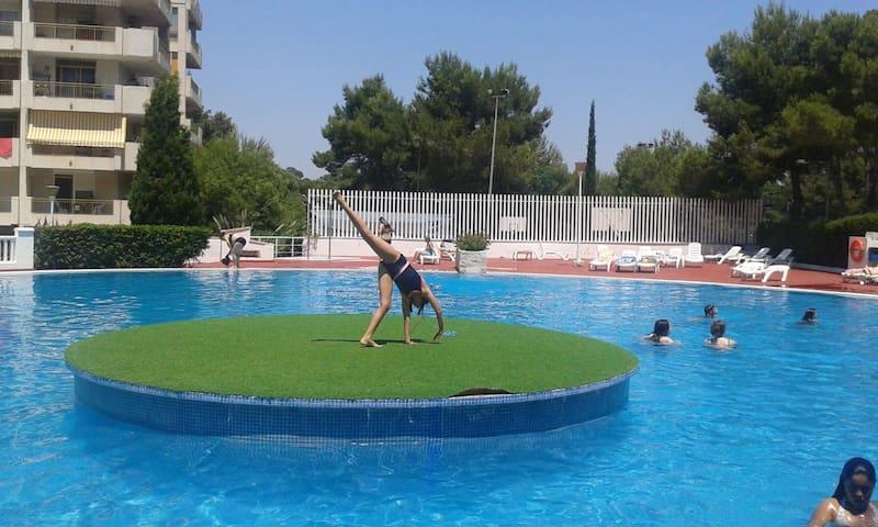Cataluña92-324-apartamento con vistas a la piscina