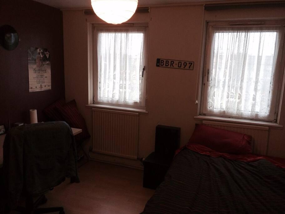Habitacion doble en piso compartido apartamentos en for Alquiler piso londres