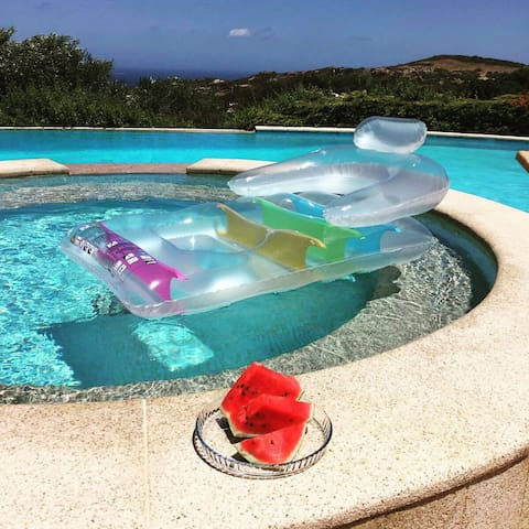 Accommodation in Villa Bella Vista with Sea View, Pool & Garden; Parking Available
