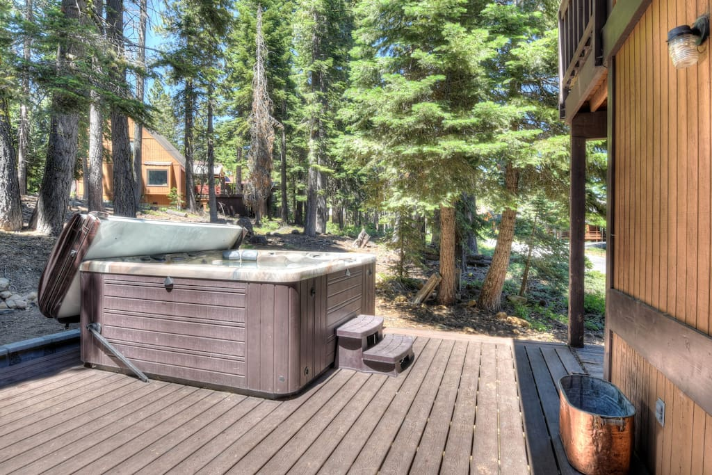 Hot tub on the spacious back patio