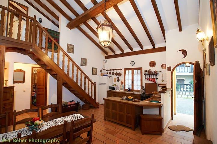 Mediterranean Mountain House - Levie - Maison