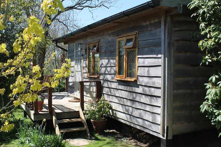 Charming Timber Eco Cabin in SE Cornwall