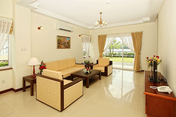 LAKEVIEW VILLAS IN HO CHI MINH CITY - Phước Long B - Villa