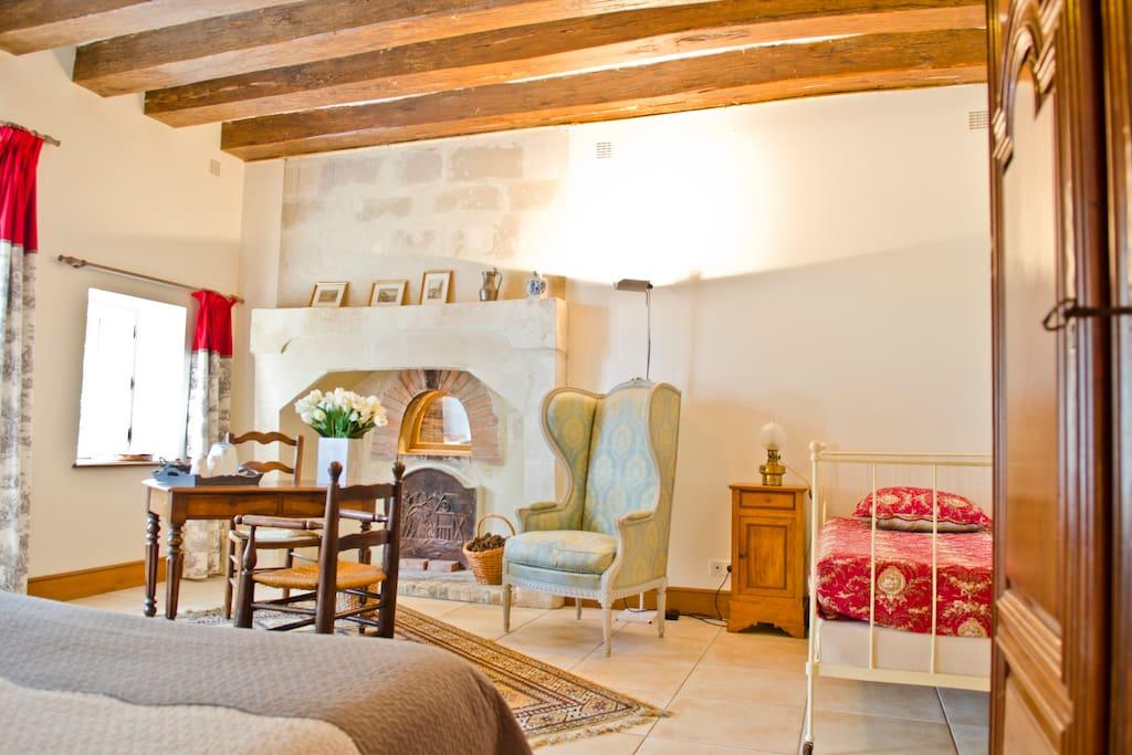 la chambre St MARTIN et son ancien four à pain