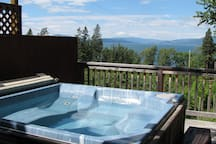 Another beautiful view!, oh..and a hot tub too!