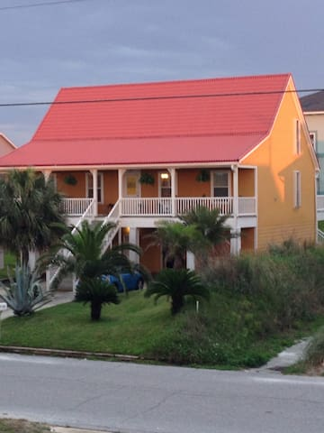 Caribbean Cottage - Coral Room - Pensacola Beach - House