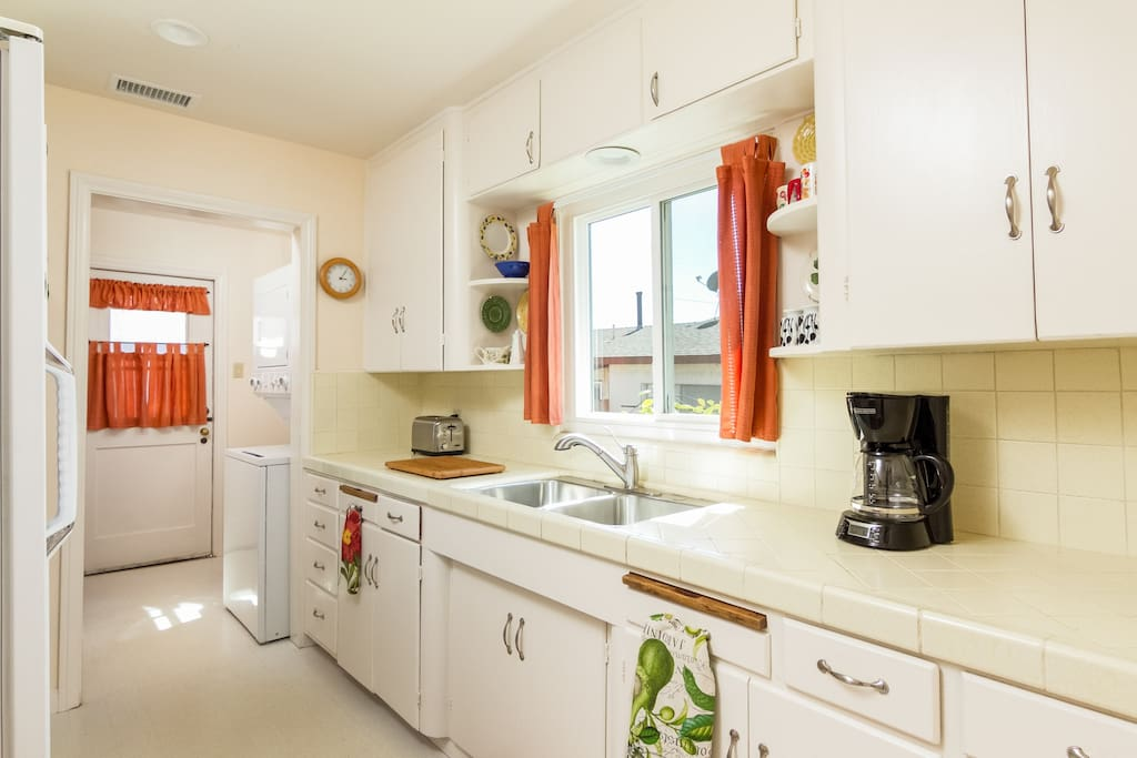 Bright and well-equipped kitchen.