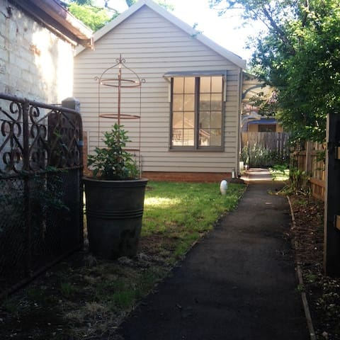 Raglan Cottage - In The Heart of Daylesford - Daylesford