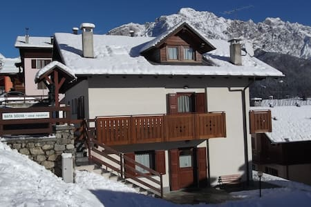 Baita Soliva Oga, balcone su Bormio - Oga