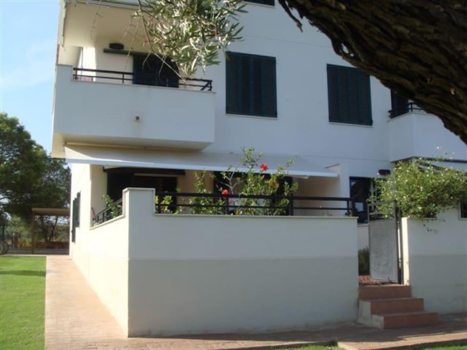 Apartamento mar timo con piscina apartamentos en for Apartamentos en madrid con piscina