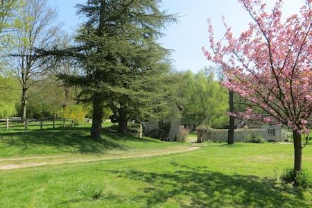 2 room suite (private lounge) 16th cent Watermill - GILLES - House - 0