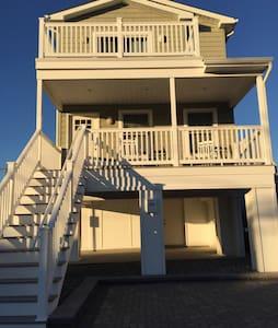 Brand new home, ocean views! - Manasquan - House