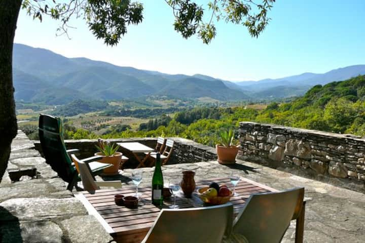 Authentic stone house – glorious views – privacy