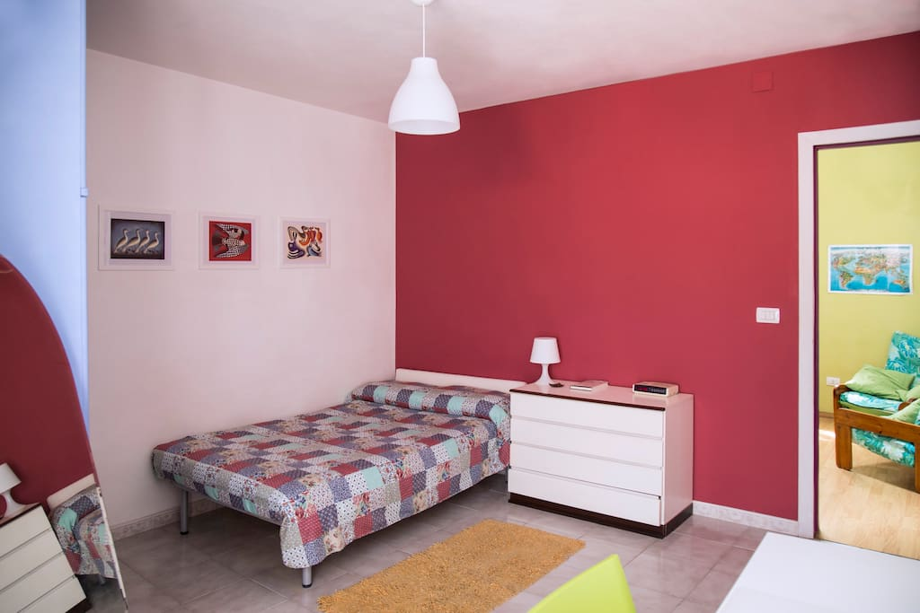 Room to Rent - bed side