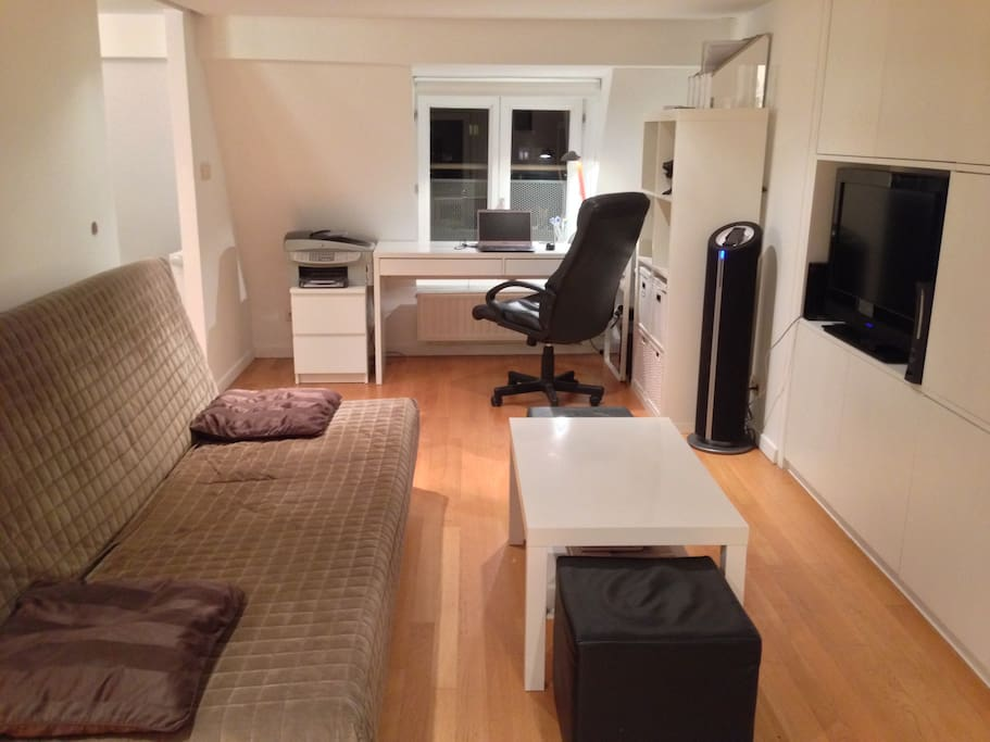 Living room & Desk