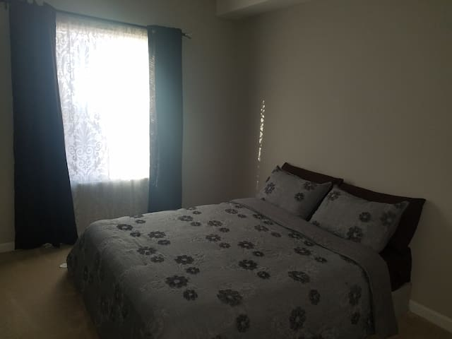 Clean Private Room and Bathroom - Mount Juliet