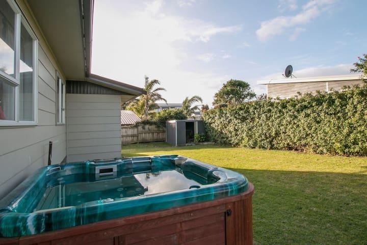 Luxury On Queen - Waihi Beach - Casa
