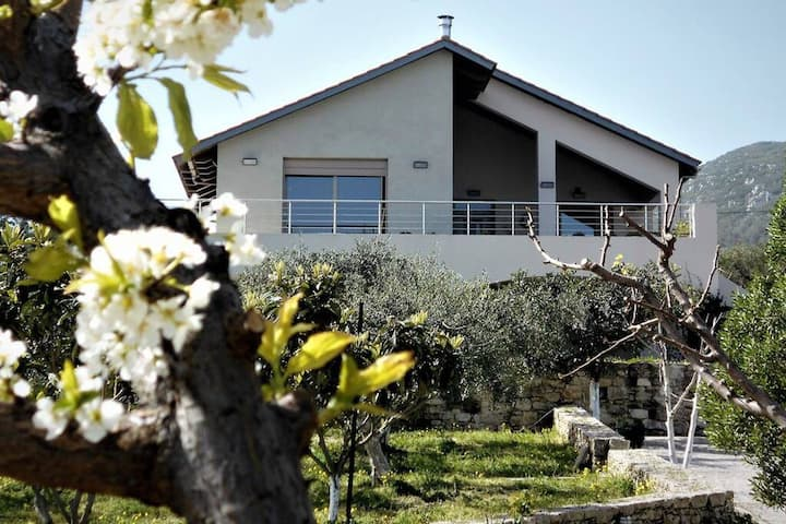 ECOvilla Belena perfect for nature and wine lovers