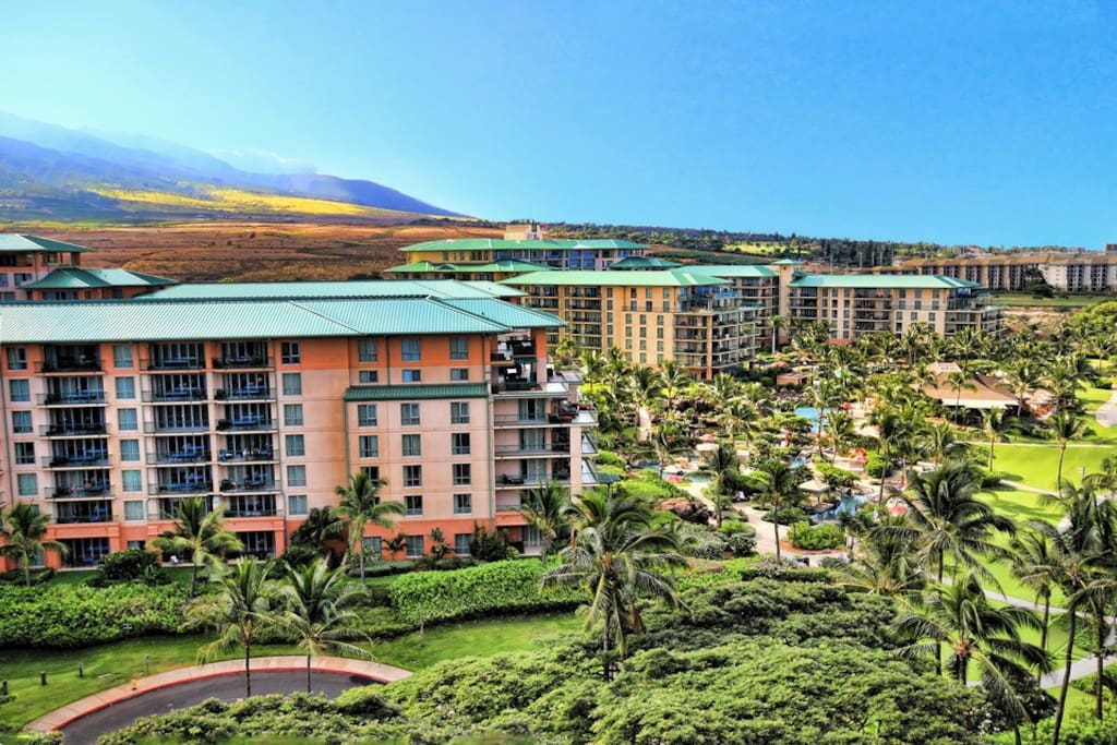 38 acres of amazing scenery surround Honua Kai, including the aquatic playground with 4 pools.