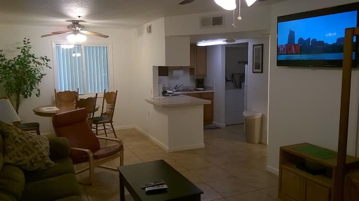 COOL 2BEDROOM/2BATHCONDOBYSUNCITIES