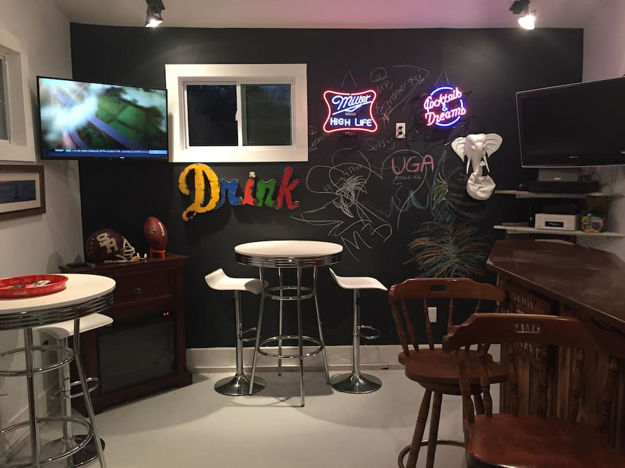 Garage bar perfect for watching any sporting event!