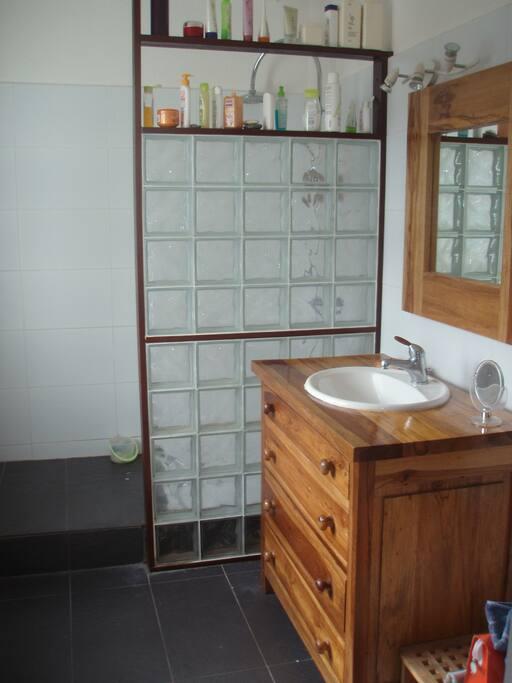 salle d'eau principale