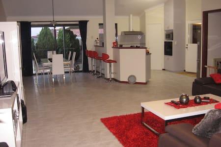 Large Single Room in Woodlands!  - Woodlands