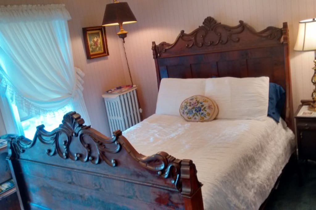 Romantic Room with Antique Double Bed