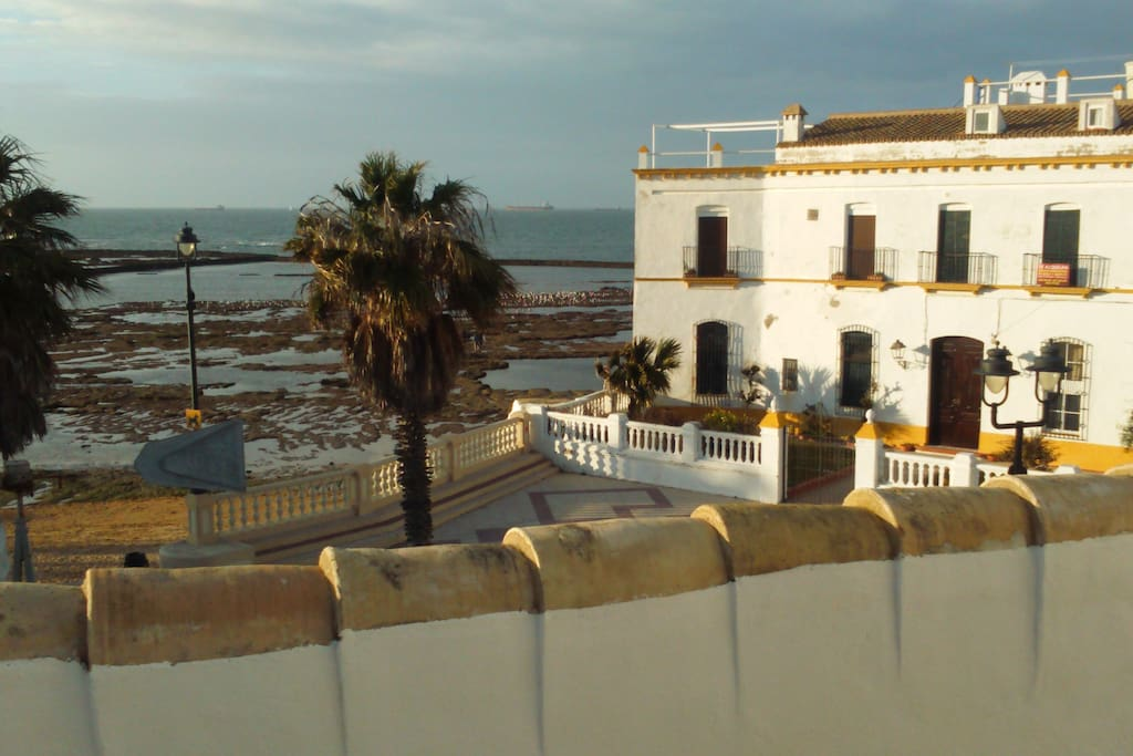 Casa lua frente al mar y playita casas en alquiler en - Casas de alquiler en chipiona ...