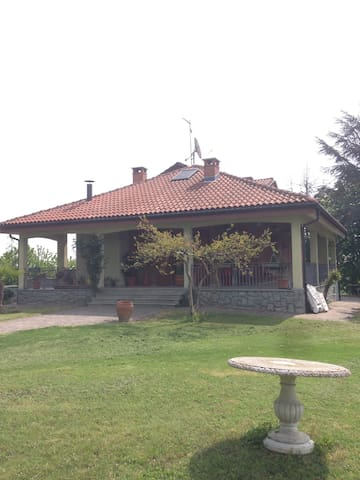 Villa di Rivoira Alta - Revigliasco D'asti