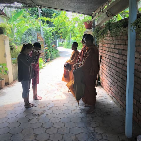 Discover Cambodia experience @ real homestay