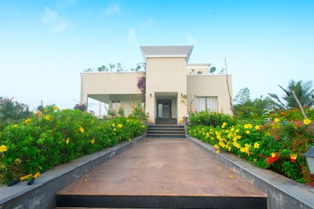 Beach house on ecr - mahabalipuram