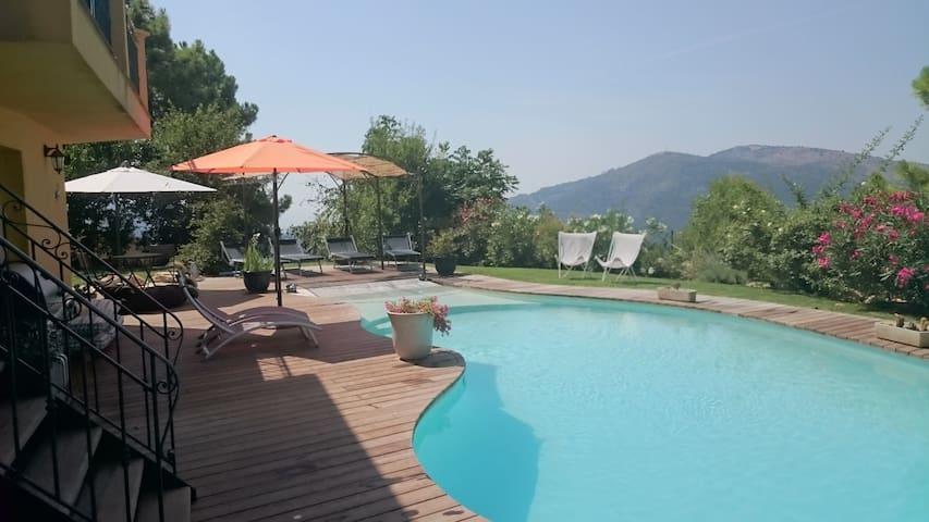 Villa de 250 m2 vue mer et montagne - Tourrette-Levens