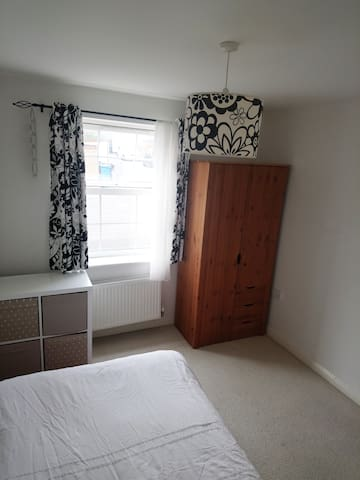 Double room with brand new carpet and desk